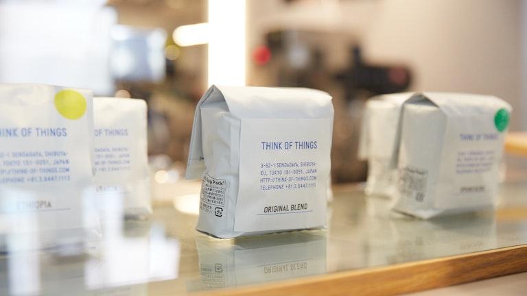 コーヒーは三軒茶屋の「OBSCURA COFFEE ROASTERS」がプロデュース。豆のテイクアウトもOK!