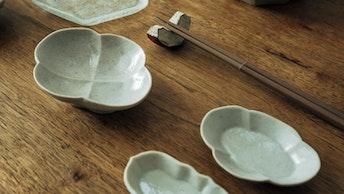温もりが感じられる作家ものの食器は、やさしい雰囲気で食卓に馴染んでくれる