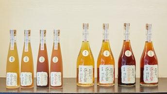 熟成年数によって色味も変化。豊かな香味を楽しむにはワイングラスがおすすめ〔百々登勢(¥5,500〜)〕