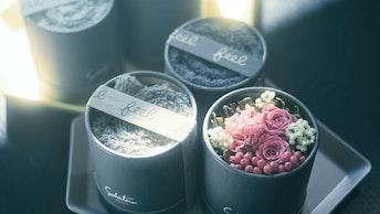 タオルとお花は好きな色が選べる「feel DECOR(¥5,000/税抜)」