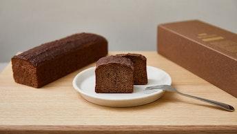チョコレートの香りをしっかり感じる、甘すぎない大人のガトーショコラ〔ガトーショコラ ベイクド(¥3,250/税別)〕