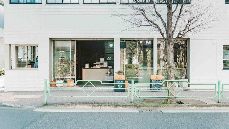 日比谷線人形町駅からは徒歩7分、浅草線なら8分。浜町駅からも徒歩6分とアクセスしやすい静かな場所