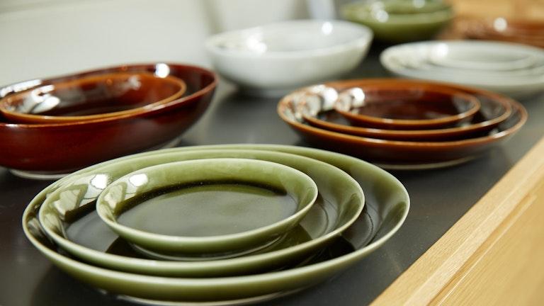 和食にはもちろん、洋食にも合うデザインの食器も多数揃う