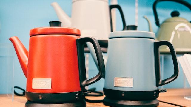 注ぎやすく湯切れのよい注ぎ口はコーヒードリップにも最適「ドリップケトル(¥6,600/税抜)」