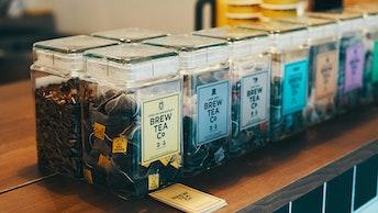 店頭では全ての紅茶と季節のスペシャルティーがテイクアウトOK!