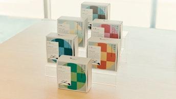 それぞれのフレーバーを表したカラフル・モダンなパッケージは、手土産やギフトにもおすすめ