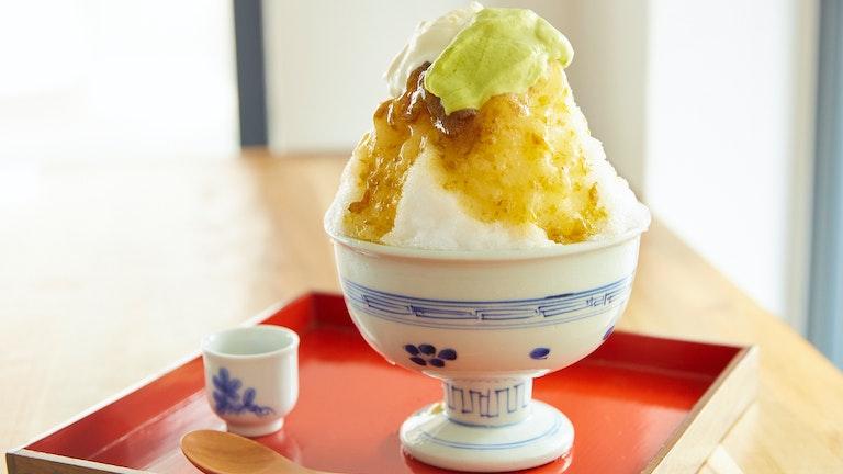 「完熟南高梅クリームチーズ(¥1100/税込)」のかき氷。意外な組み合わせと、そのおいしさにびっくり
