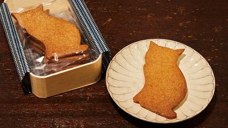 猫型クッキーが5枚入った〔ミカモトわっぱ(¥1,500/税抜)〕