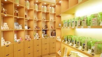 中国茶や茶器を中心に、紅茶、ハーブティー、日本茶など幅広い品揃えのショップ