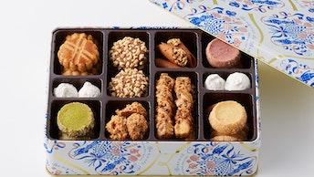 どれから食べようか迷ってしまう9種類のフレーバー〔Bouquet de Biscuits M缶(¥3,780/税込)〕