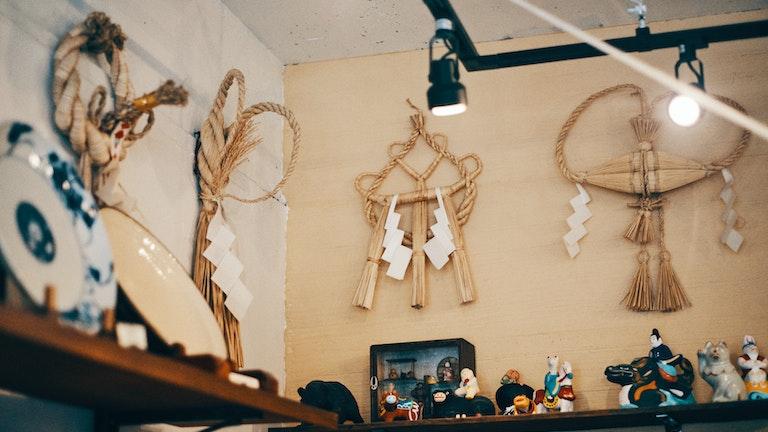 鳥取特有の「えび飾り」など、地域によって様々な形のあるしめ縄