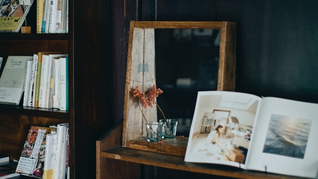 うつわや植物、美術、料理、小説と多岐にわたるラインナップ。生涯の1冊になるかもしれない本を探して