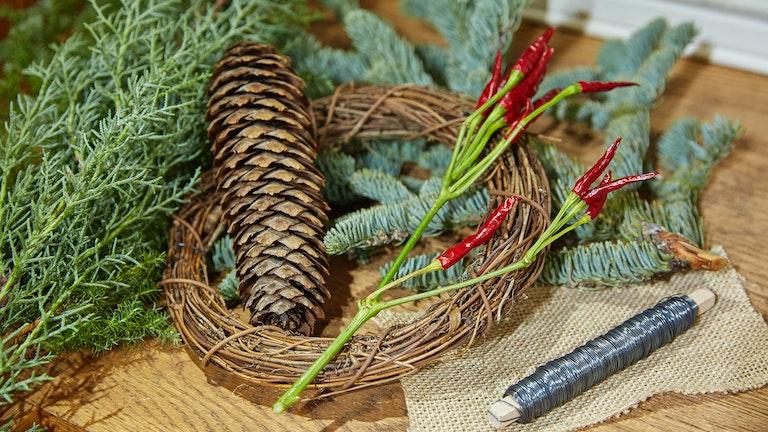 今年登場した手作りリースセットは作っている間も良い香りが部屋に漂い、リフレッシュできると好評